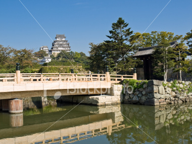 Himeji Castle moat and entrance
